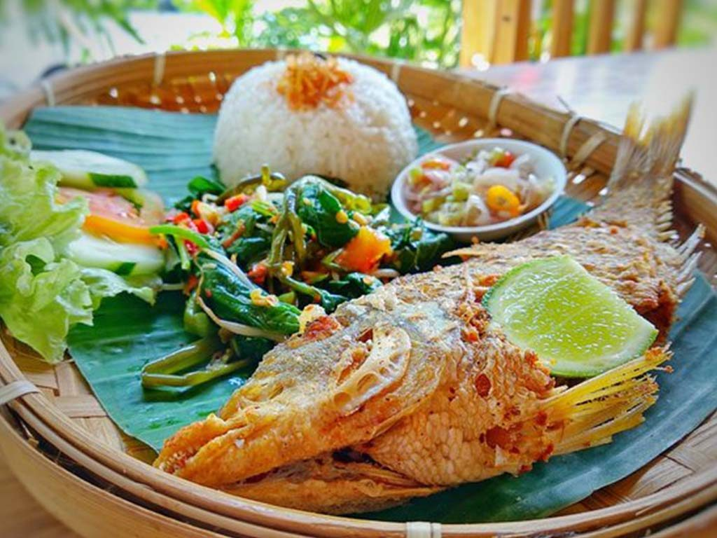 Ng Warung In Nusa Penida